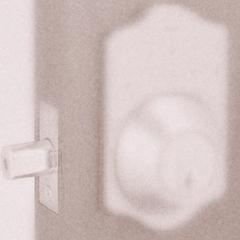 居家門鎖升級-電子式按鍵密碼輔助鎖