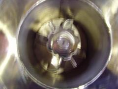 大型刀片式粉碎機、磨粉機-直取式料筒可設定時開關。